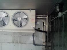 Монтаж низкотемпературного агрегата на морской контейнер._2